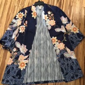 NWT Chicos reversible Kimono
